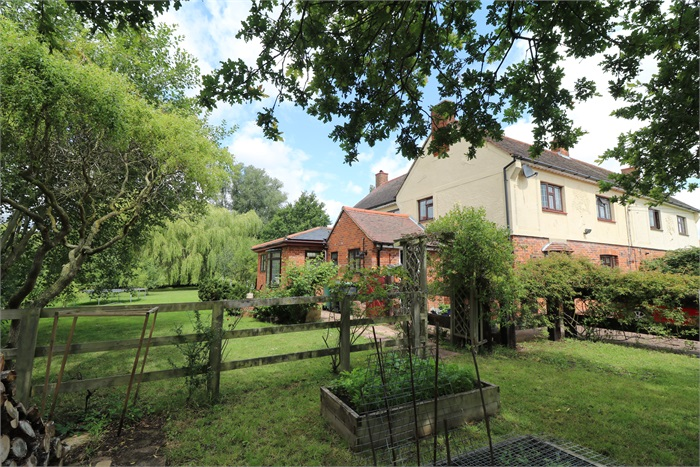 1 Maysland Cottages, Nr Great Dunmow